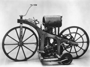 Gottlieb Daimlers 1st Motorcycle